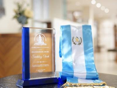 Reconocimiento a las iglesias de la cienciología de Los Ángeles por su contribución a la comunidad guatemalteca de Los Ángeles. (PRNewsfoto/Church of Scientology International)